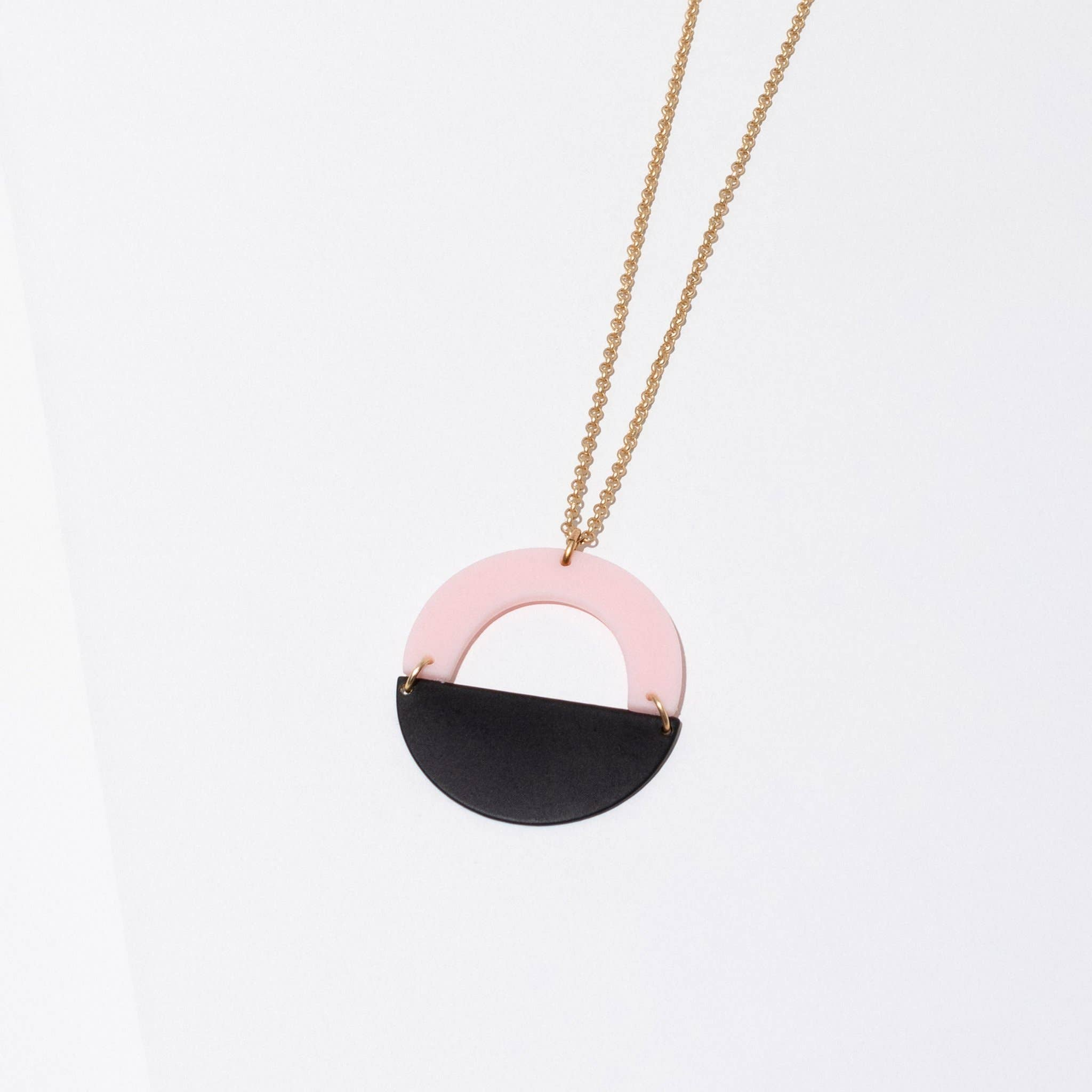 Forme Necklace Pink